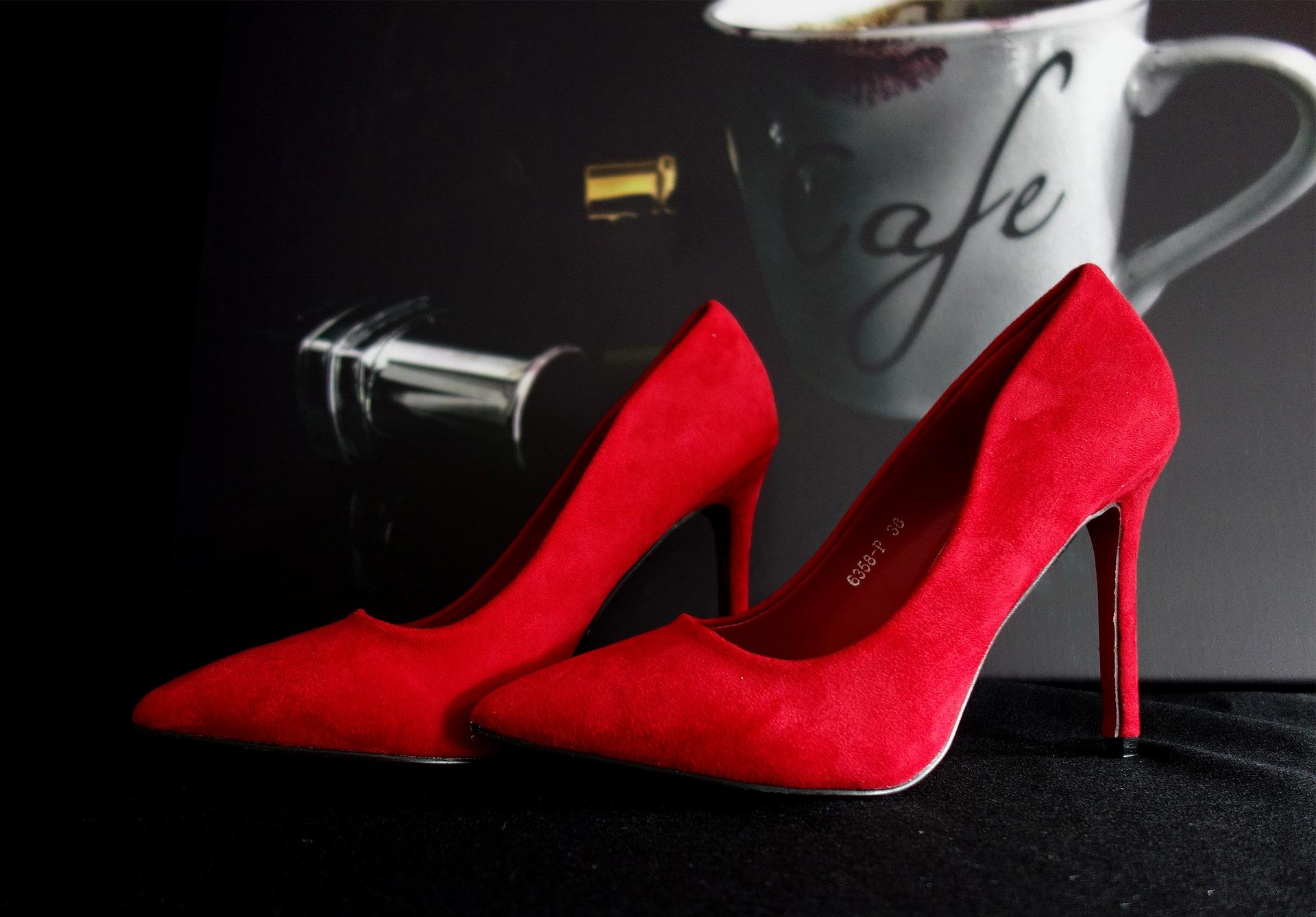 high-heels-2086307_1920